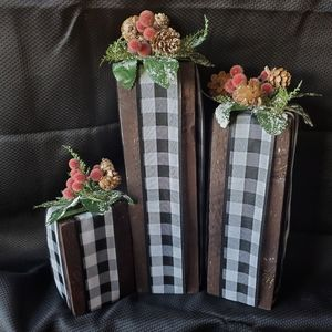 Set of 3 Rustic Buffalo Check Wooden Block Present